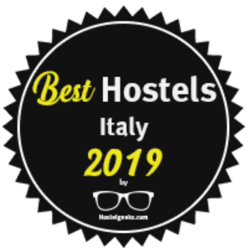 http://www.babilahostel.it/wp-content/uploads/2016/08/ITALY-badge-500x500.png